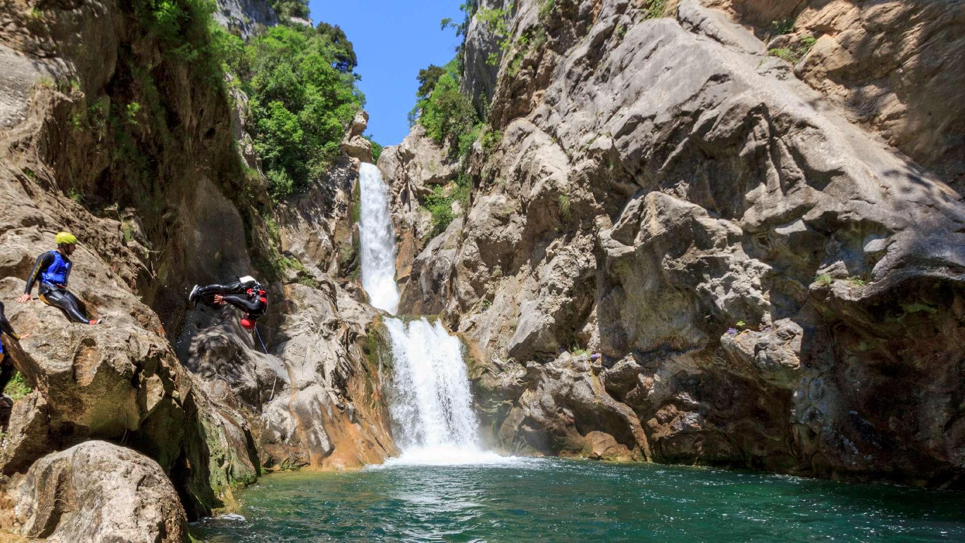 Basic canyoning tour river Cetina